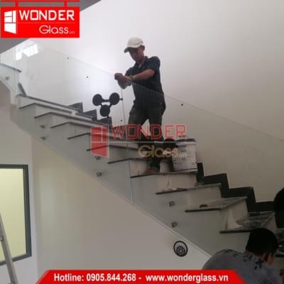 mẫu cầu thang kính đẹp, cầu thang kính đà nẵng
