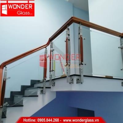 mẫu cầu thang kính đẹp, cầu thang kính cường lực đà nẵng