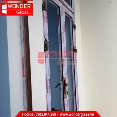 mẫu cửa nhôm xingfa màu vân gỗ, cửa nhôm xingfa đà nẵng